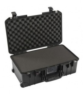 Pelicase 015350-0000-110E - 1535 AIR Carry-On Case With Foam, Black