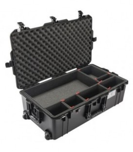 Pelicase 016150-0050-110E - 1615 AIR Check-In Case With TrekPak Divider, Black