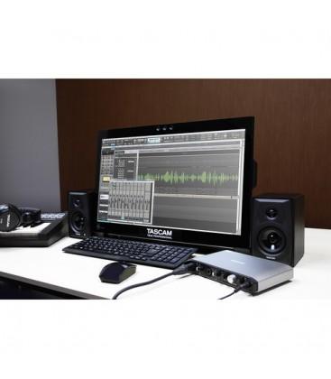 Tascam iXR - Audio-/MIDI-Interface for iPad / PC / Mac