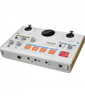 Tascam MiNiSTUDIO Creator US-42 - Audio Interface for personal Broadcasting