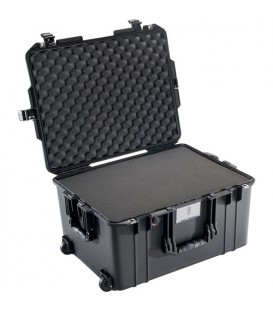 Pelicase 016070-0000-110E - 1607 AIR Case With Foam, Black